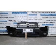 Бампер передний Renault Dacia Duster 2012-2015 Рено Дача Дастер