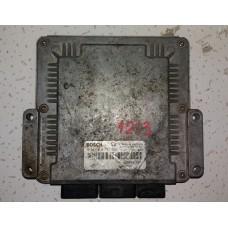 Блок управления двигателем Renault Master II 2.2DCI 1998-10 0281010787 Рено
