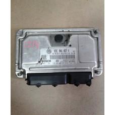 Блок управления двигателем  Skoda Шкода Fabia / Roomster 2007-13 1.6 03C906057K 0261201138