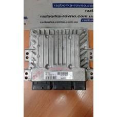 Блок управления двигателем  Renault Рено Megane III 1.5 DCi 237101454R  237100669R  S180067142A