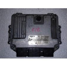 Блок управления двигателем  Renault Рено Trafic / Opel Опель Vivaro / Nissan Ниссан Primastar 1.9 dci 2000-14