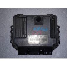 Блок управления двигателем Renault Рено Megane / Scenic 1.9 DCI 0281011390 8200310863
