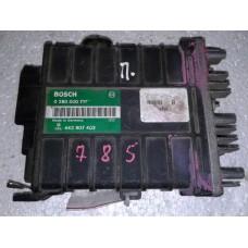 Блок управления двигателем Volkswagen Фольксваген Passat B3 / Audi 80 / Audi  100  1.8 0280000711 443907403