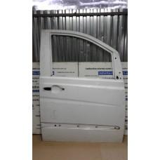 Дверь передняя правая Mercedes Мерседес Vito 639 белая, бежевая, желтая