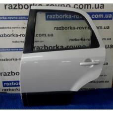 Дверь задняя левая Fiat Sedici 2010 / Suzuki Сузуки Sx4 2006-2012 белая (сероватый отлив)
