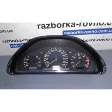 Панель приборов Mercedes Мерседес  W210 1995-02 2105401448